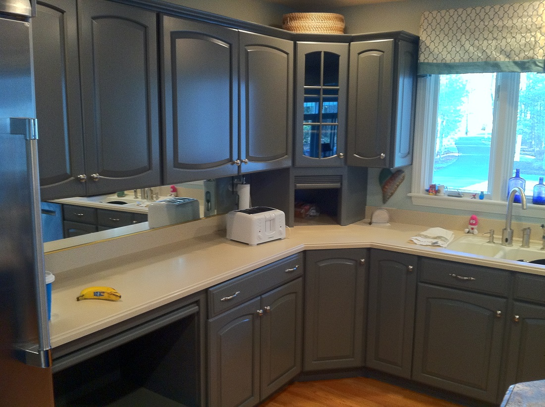Refinishing kitchen cabinets grey for Cabinets kitchen cabinets